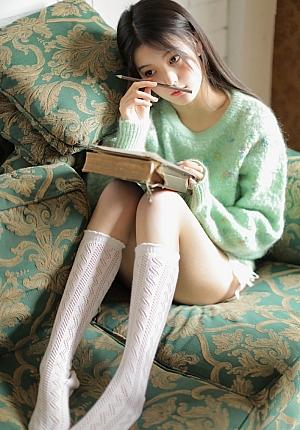 长腿丝袜高清美女图片